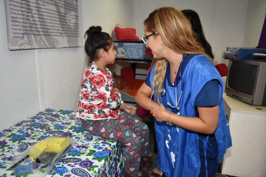 Hoy comenzó a ponerse en practica el acuerdo entre Médicos del Mundo y la Casa de la Mujer Esther de Careaga de la Agrup. De Frente. Ni la lluvia detuvo el compromiso social. Una construcción comunitaria de la salud.